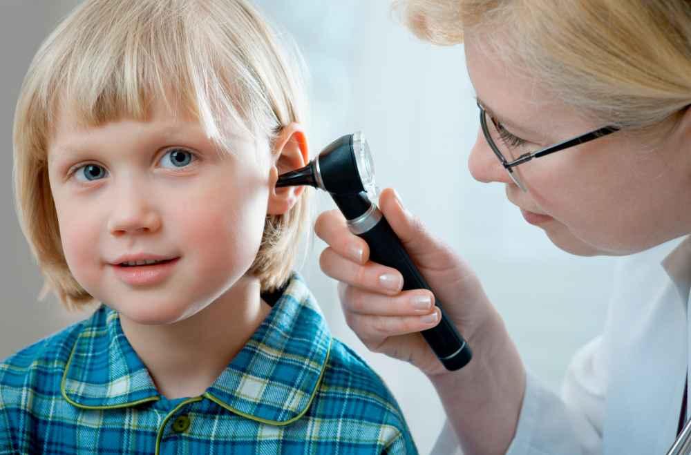 dziecko u laryngologa